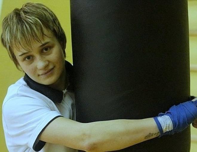 Девушка-боксёр из Мордовии поборола всех соперниц в Елабуге