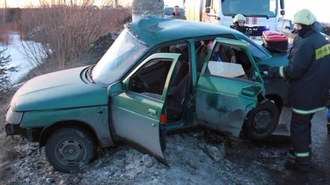 Автоледи без прав в Саранске протаранила столб и сбежала из больницы