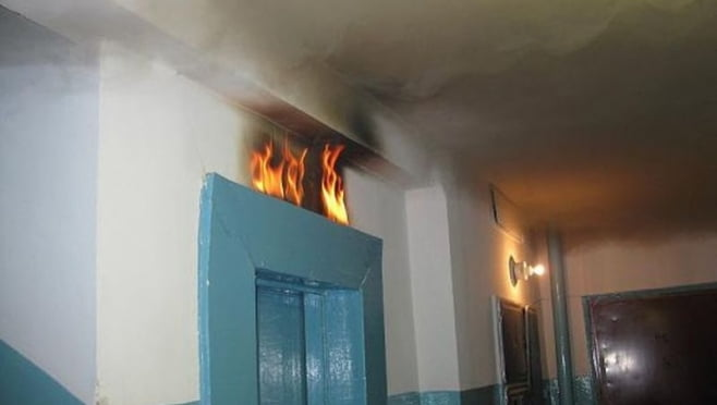 В саранской многоэтажке ночью загорелся лифт