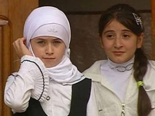 Мэра Саранска попросили разрешить хиджабы в школах