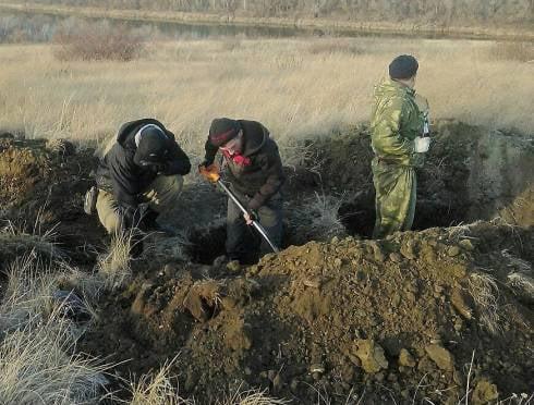 Мордовские поисковики подняли останки советских и румынских солдат