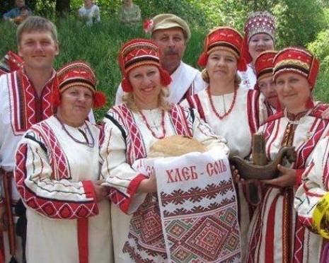 Москвичей накормили и развлекли по-мордовски