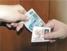Сотрудник Госавтоинспекции Мордовии взят с поличным при получении взятки