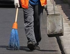 В Мордовии более 260 алиментщиков отправили работать с метлой и лопатой