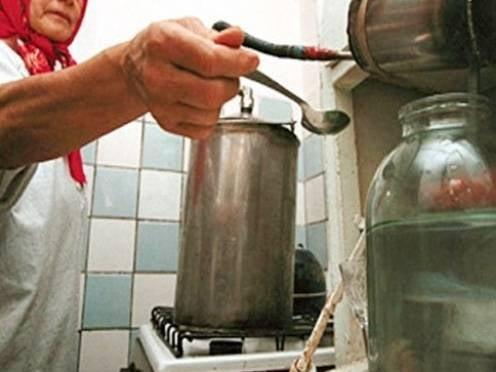 Жители Саранска ответили самогоноварением на подорожание водки