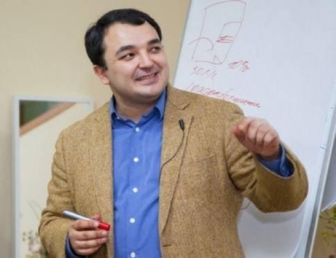 Дамир Халилов: «Учитесь зарабатывать в социальных сетях!»