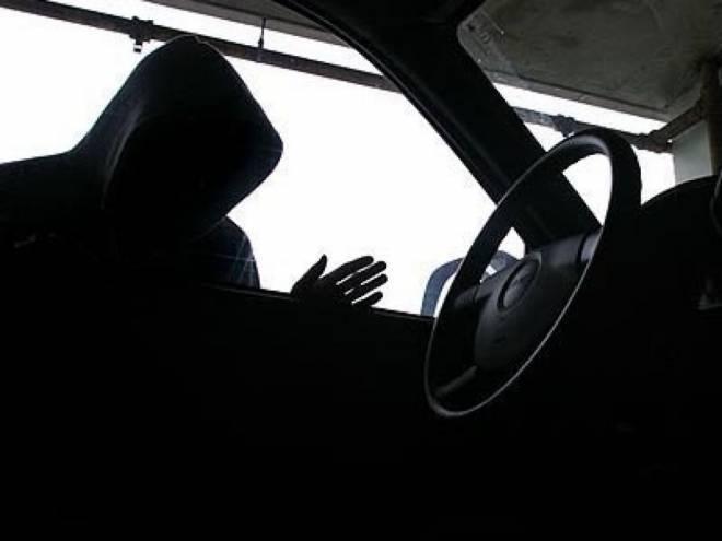 Житель Саранска разбил машину знакомой девушки-таксиста