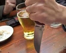 В Саранске мужчина с помощью ножа требовал вернуть долг