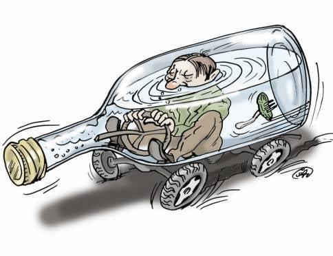 В Саранске пьяный водитель на «Калине» помял две машины и забор