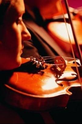 Музыкальная гостиная: Концерт  Валерия Агабабова и ансамбля гитаристов