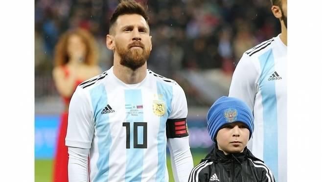 Юный футболист из Мордовии вывел Месси на поле «Лужников»