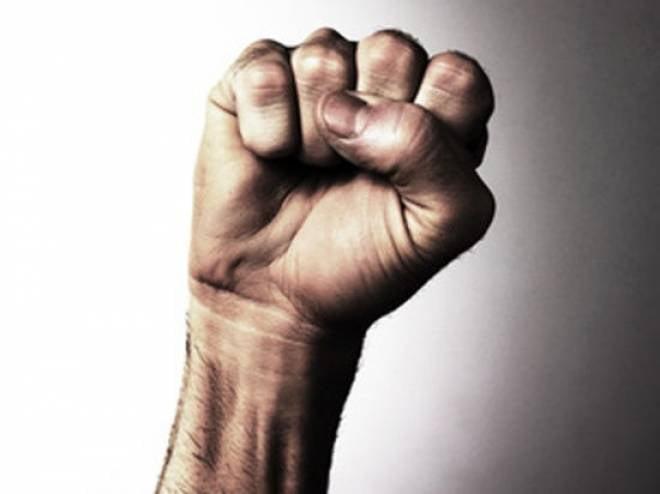 Драка с полицейскими у саранского клуба закончилась для тусовщиков несвободой