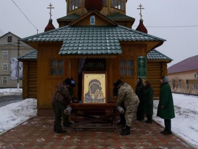 Осужденные мордовского Дубравлага прикоснулись к чудотворной иконе