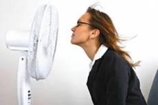 Роструд призывает работодателей сжалиться над сотрудниками во время жары