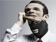 Мошенники «преследуют» жителей Мордовии и реально и виртуально