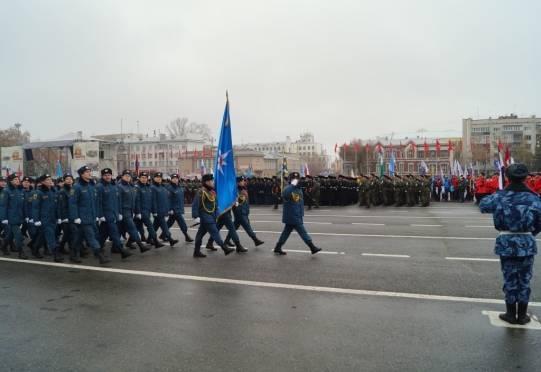 Кадеты из Мордовии впервые прошли торжественным маршем по площади Куйбышева