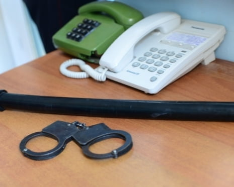 В России принят закон об одном звонке задержанного