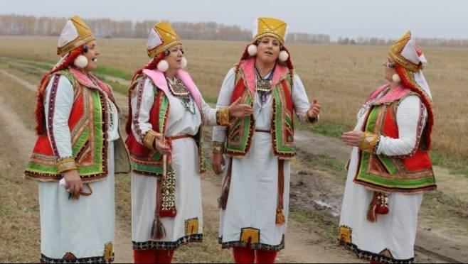 Руководитель мордовской «Рябинушки» получит 100 тыс рублей за развитие народного творчества