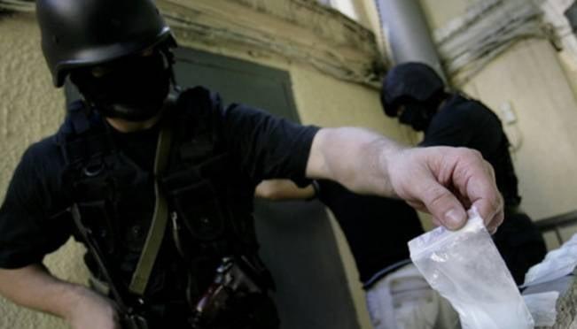 Экс-работница СМИ была задержана в Саранске с особо крупной партией наркотиков