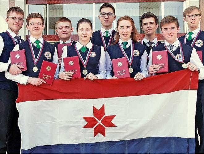 Юные химики из Мордовии добились рекордного результата в Белгороде