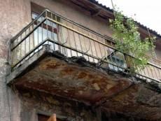 В Мордовии женщина погибла при обрушении балкона