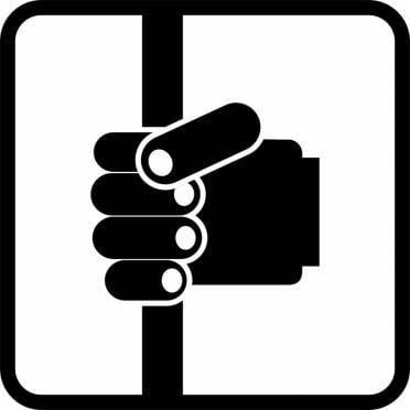 ГИБДД Мордовии призывает крепче держаться за поручни в общественном транспорте