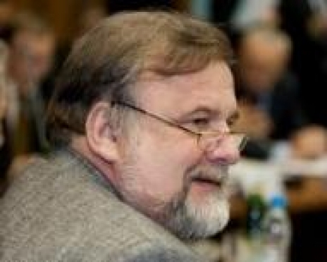 Глава Мордовии вручил академику Каблову орден славы III степени