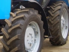 В Мордовии трактор опрокинулся в кювет: погиб водитель-подросток