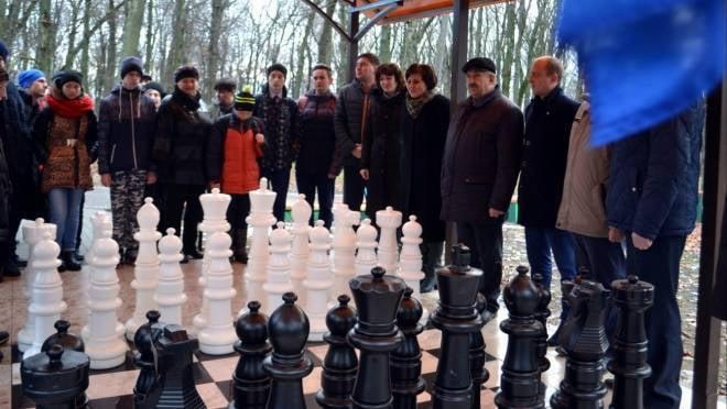 Рузаевцы обрели ростовые шахматы