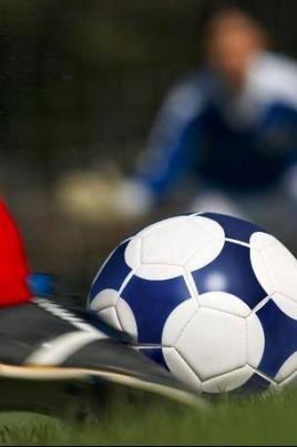 Игра II-го этапа чемпионата России по футболу среди женских команд постер