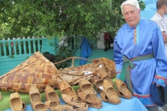 В Мордовии устроили выставку лаптей