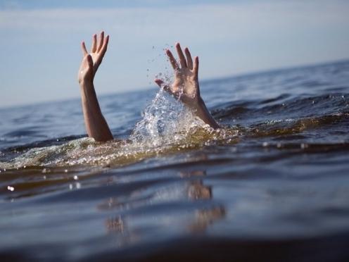 На Луховском водохранилище едва не утонул мужчина