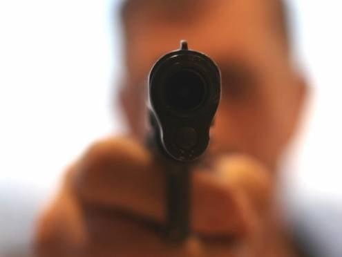 В Саранске вооруженный грабитель отобрал выручку у водителя маршрутки
