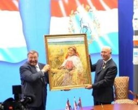 Бывшему и нынешнему Главам Мордовии вручили награды в области культуры