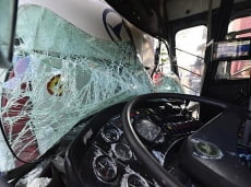 В Саранске столкнулись микроавтобус и КАМАЗ: пострадали четверо