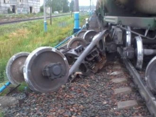 Грузовые вагоны сошли с рельсов в Мордовии