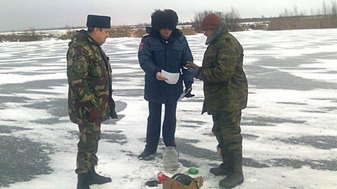 В Саранске казаки и рыбаки встретились на льду