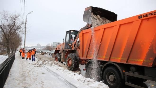 Зимой расчищать Саранск от снега будут 250 единиц техники