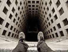 В Саранске школьница разбилась, упав с многоэтажки