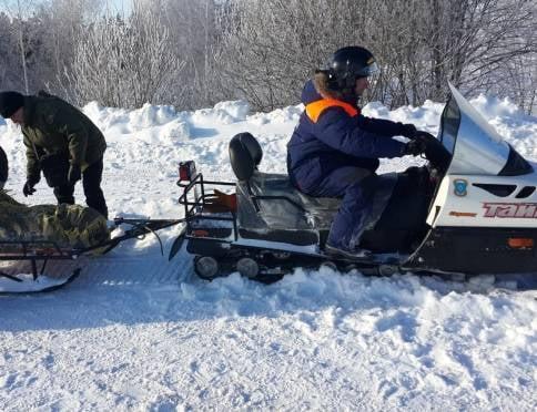 В Мордовии спасатели с трудом пробились к семье, оказавшейся в снежном плену