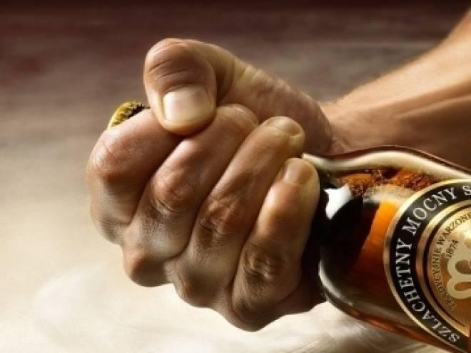Житель Саранска избил полицейского бутылкой