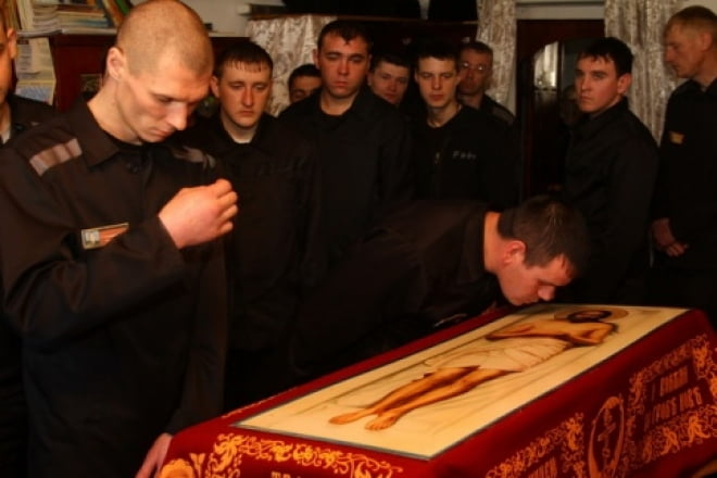 В Мордовии осужденные встретили Плащаницу Иисуса Христа