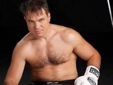 Боксер Олег Маскаев начинает подготовку к бою в Саранске