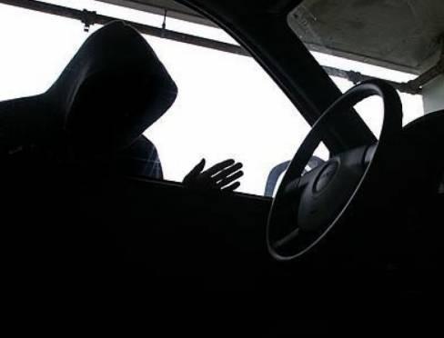 Обиженный житель Мордовии перевернулся на машине знакомого после ссоры с ним