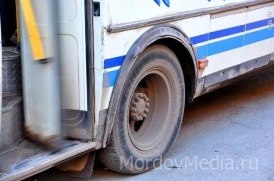 В Саранске из автобуса выпал пассажир
