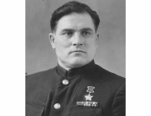 В Саранске установят памятник лётчику-герою Девятаеву