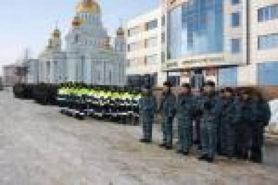 Милиционеры Саранска продемонстрировали строевую выправку в рамках общегородского смотра