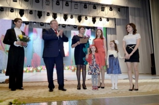 В Саранске женщины получили поздравления и подарки от главы РМ