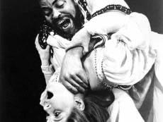 В Саранске «Отелло» с богатым уголовным прошлым пытался добиться любви с помощью ножа и ремня