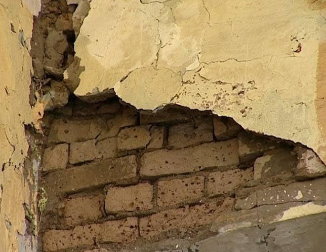 В рузаевской школе обрушилась стена